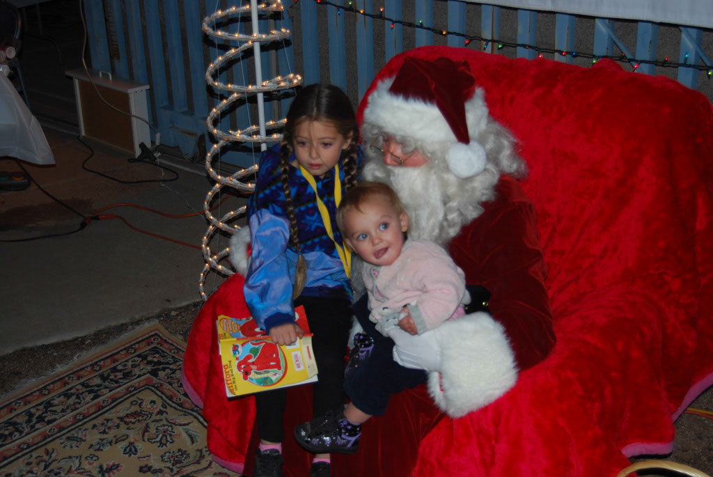 Bonfire & an evening with Santa_037