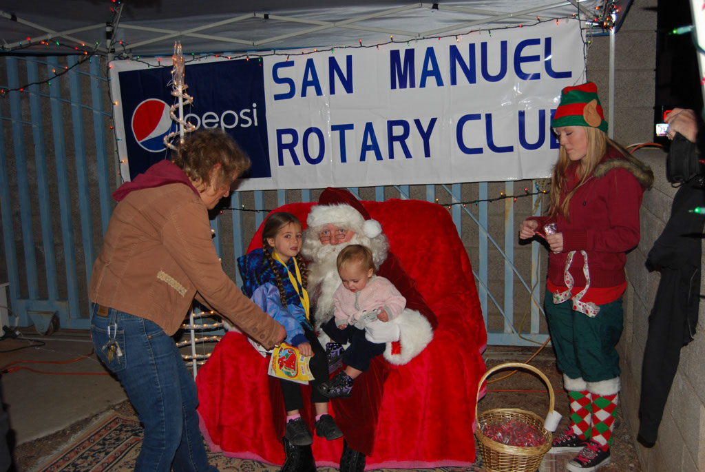 Bonfire & an evening with Santa_038
