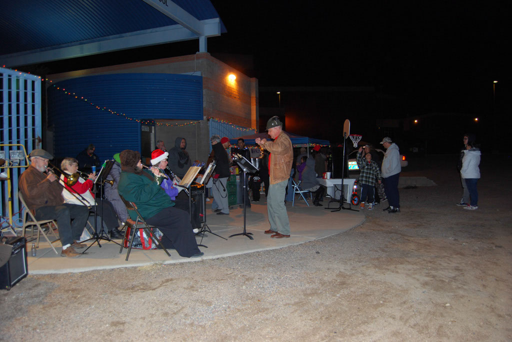Bonfire & an evening with Santa_049
