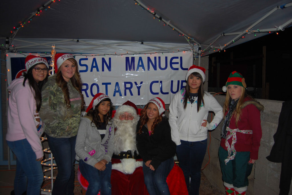 Bonfire & an evening with Santa_076