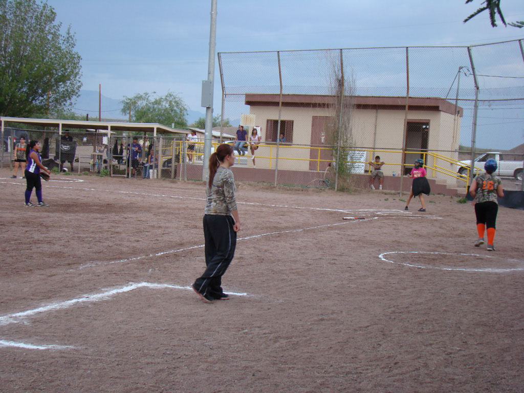 Girls-Fastpitch-Softball_005