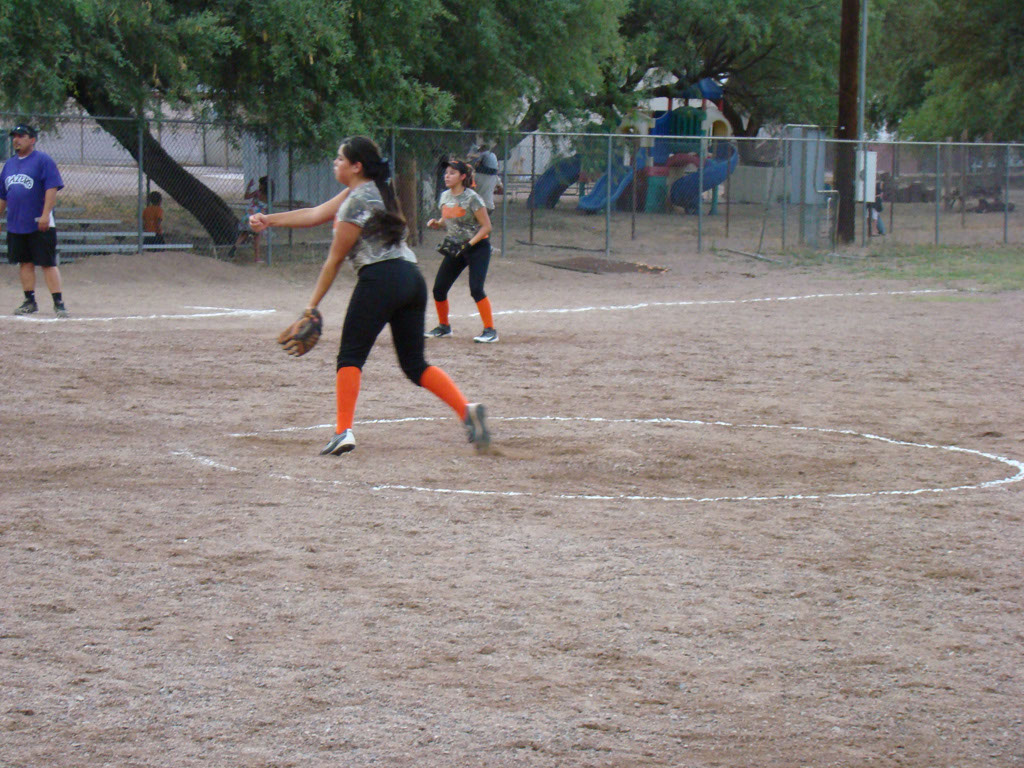 Girls-Fastpitch-Softball_014