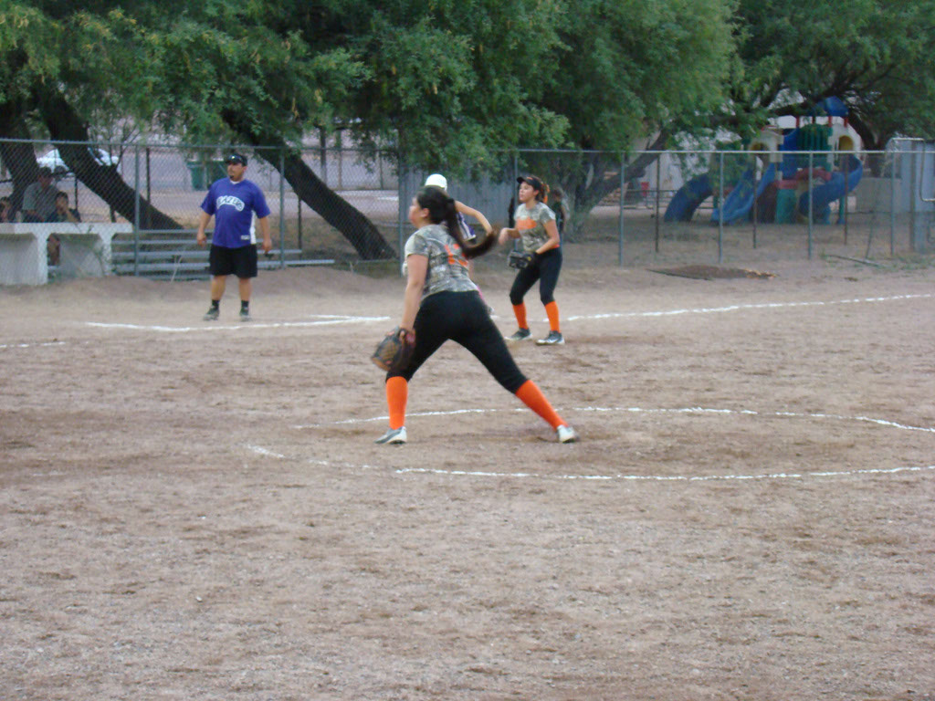 Girls-Fastpitch-Softball_025