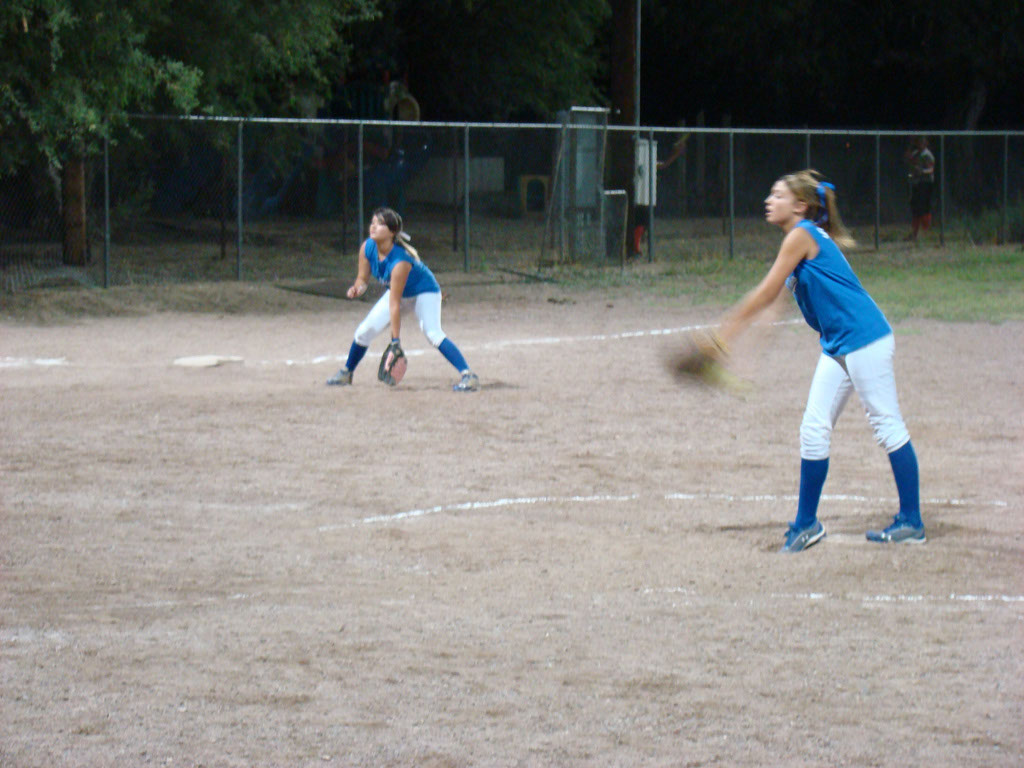 Girls-Fastpitch-Softball_056