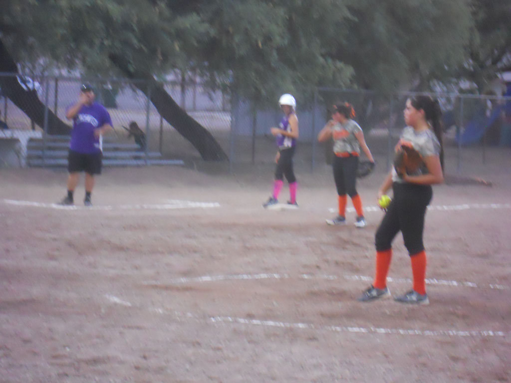 Girls-Fastpitch-Softball_092