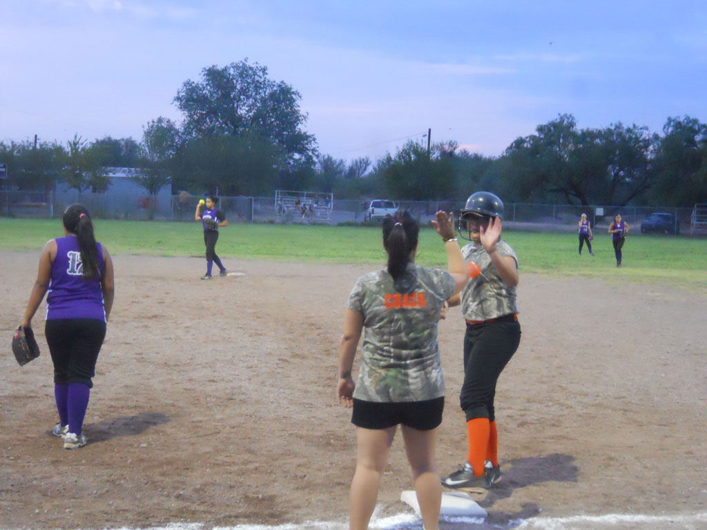Girls-Fastpitch-Softball_102