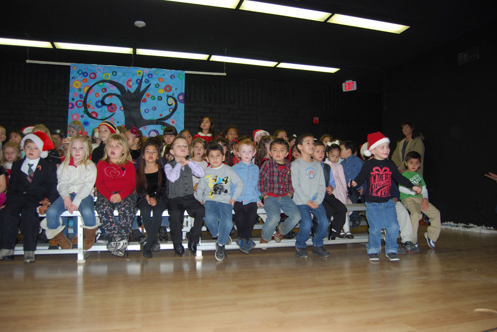Oracle Ridge Pre-School Kindergarten Students Perform at Mt. Vista_005