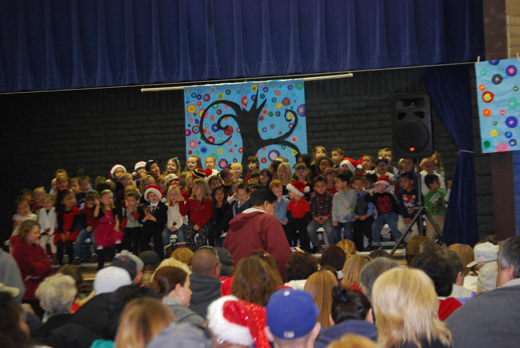 Oracle Ridge Pre-School Kindergarten Students Perform at Mt. Vista_011