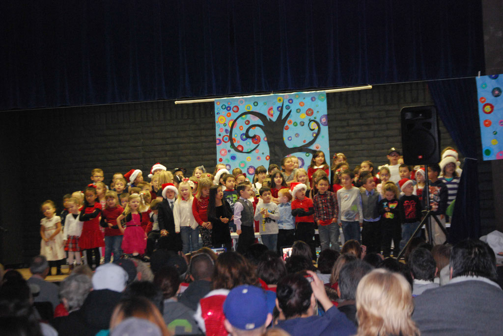 Oracle Ridge Pre-School Kindergarten Students Perform at Mt. Vista_014