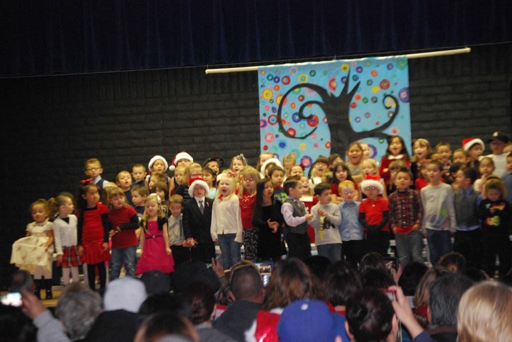 Oracle Ridge Pre-School Kindergarten Students Perform at Mt. Vista_015