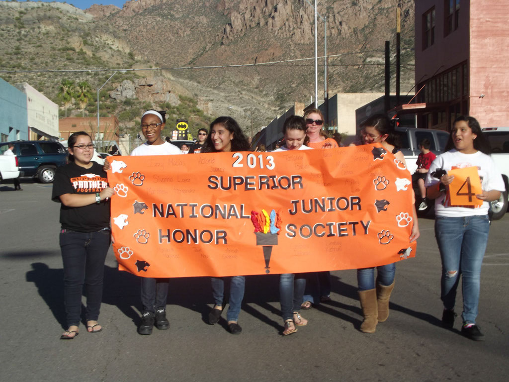 Superior-Homecoming-Parade-2013_049