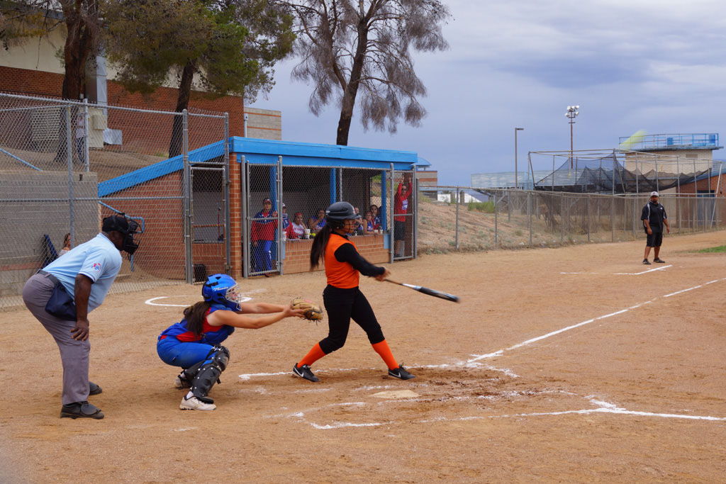 Superior_vs_San_Manuel_Softball_2014_014